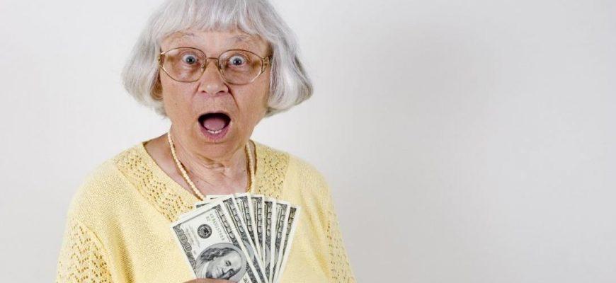 """Почему деньги стали называть """"бабками"""""""